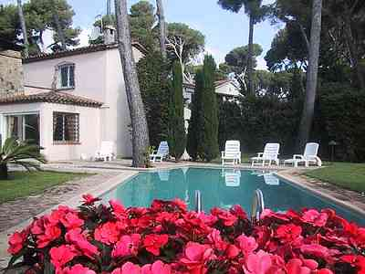 villa with pool to rent